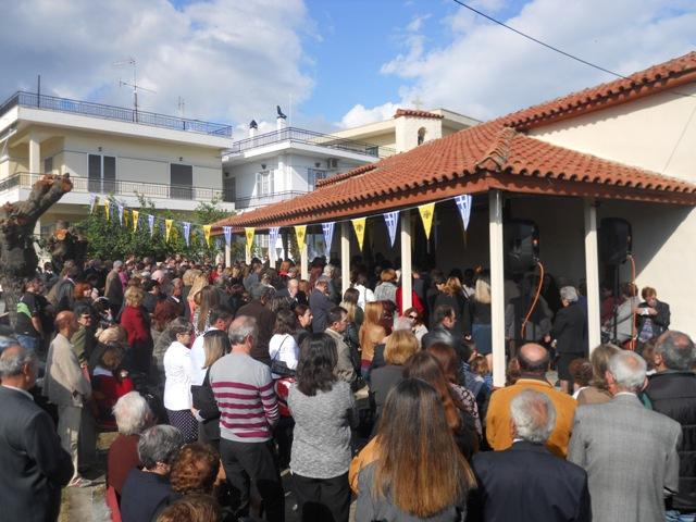 Πλήθος πιστών στον I.N Aγίου Δημητρίου Μαγούλας